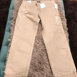 Gap new with tags distressed khakis!Cuffed sz 6 😍